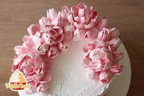 Erfolgreiches Eiweiß-Sahnerezept für Blumenspritzen. Mit Eiweiß-Sahne-Torten ...   - Finomságok -