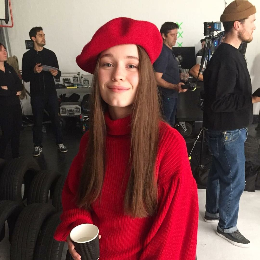 Sigrid Sigrid Solbakk Raabe Norwegian Scandinavian Singer Country Norway Stage Name Sigrid Winter Outfit Inspiration Fashion Outfit Inspirations
