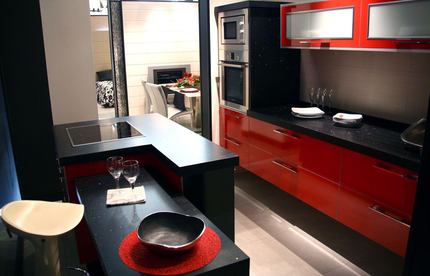 Ideas de color de la cocina con muebles blancos - Cocina Moderna Rojo Y Negro