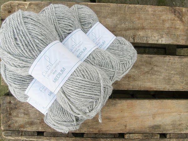 Light grey alpaca yarn in the colour Alpaca Dew from Purl Alpaca Designs - Perfect for summer knits! #knitting #yarn #alpaca #wool
