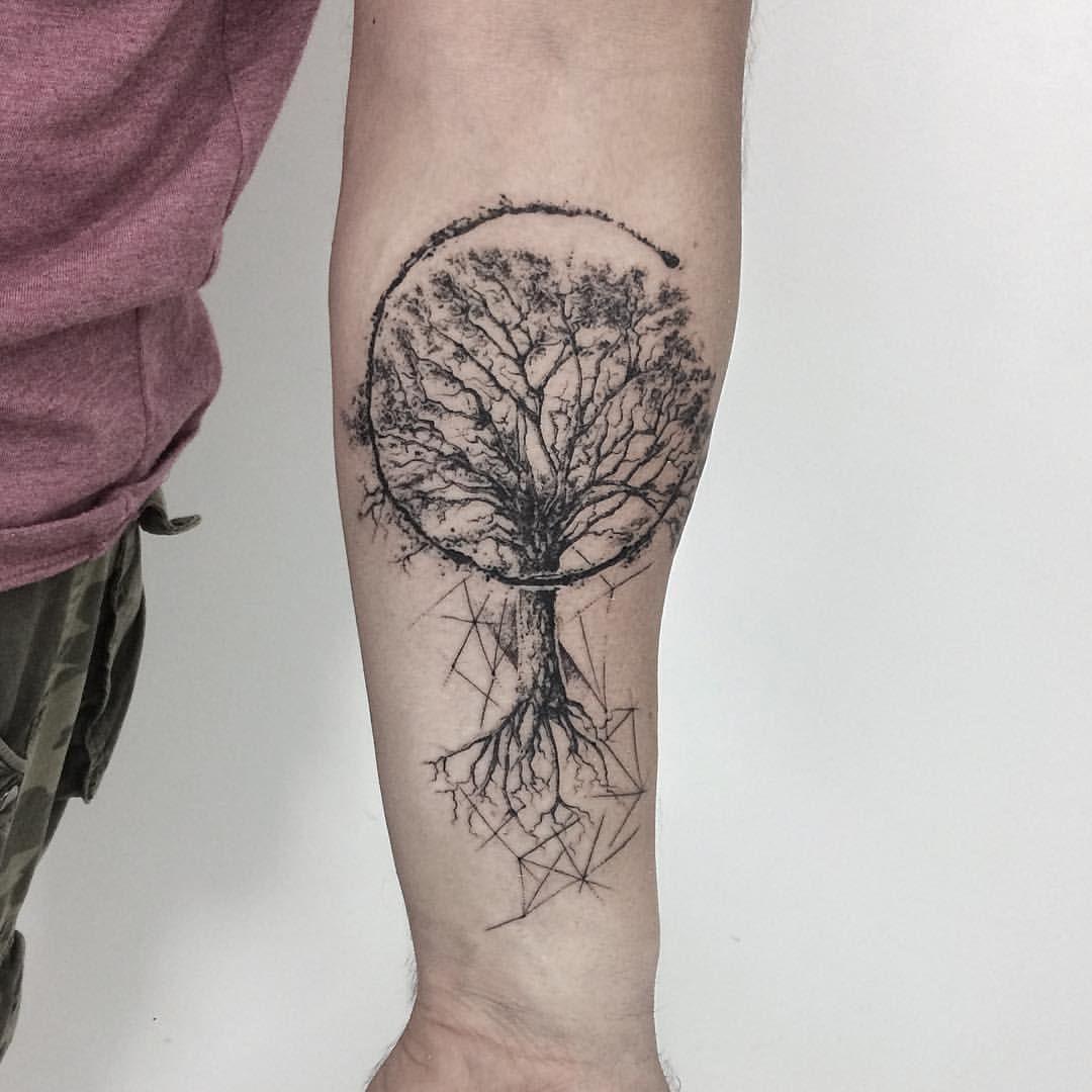 "Witold Waleński on Instagram: ""#tattoo #tattoos #tattooink #tattooidea #tattooinspiration #tattoodesign #tree #treetattoo #treeart #graphic #graphicart #graphicdesign…"""