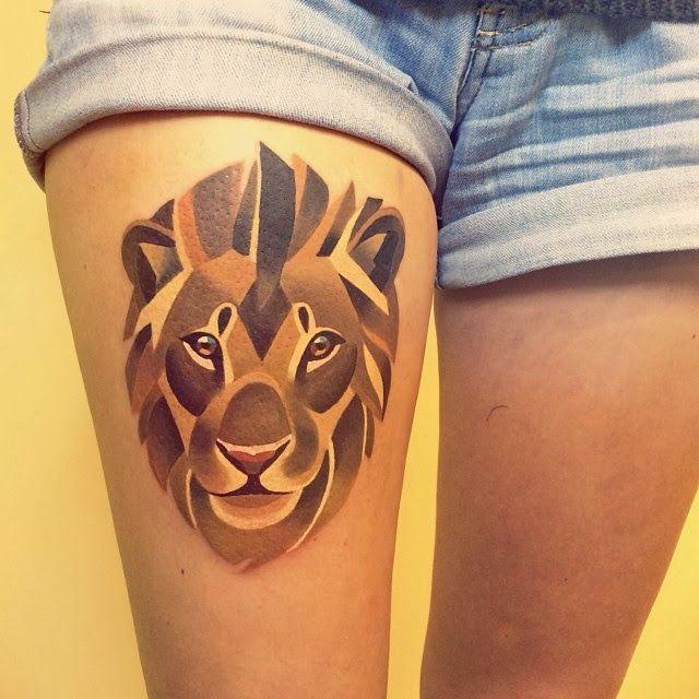 Tattoo leão feminina