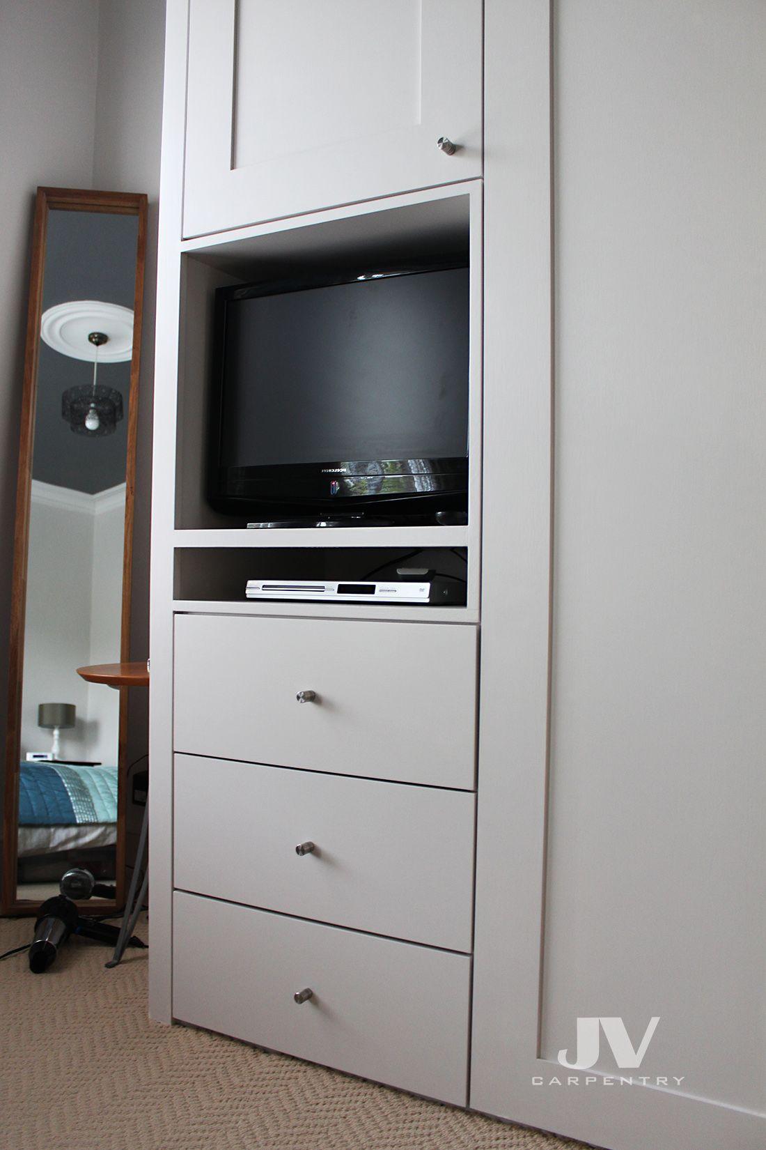 Small built-in wardrobe | Bedroom built ins, Built in ...