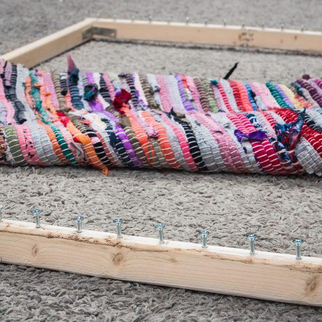 How To Make A Rag Rug Loom Ehow Rag Rug Diy Rug Loom Braided Rag Rugs