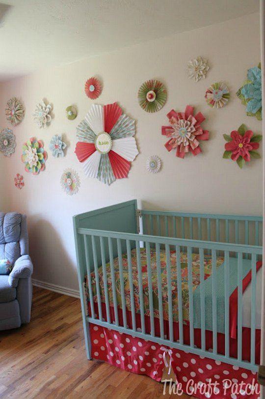 Decoraci n de paredes con flores de papel habitaciones for Decoracion paredes habitacion bebe nina