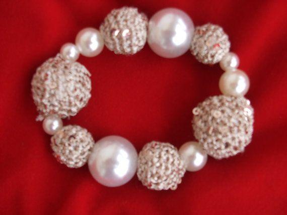 bracciale uncinetto perle oro sfere di maglieriamagica su Etsy, €18.50