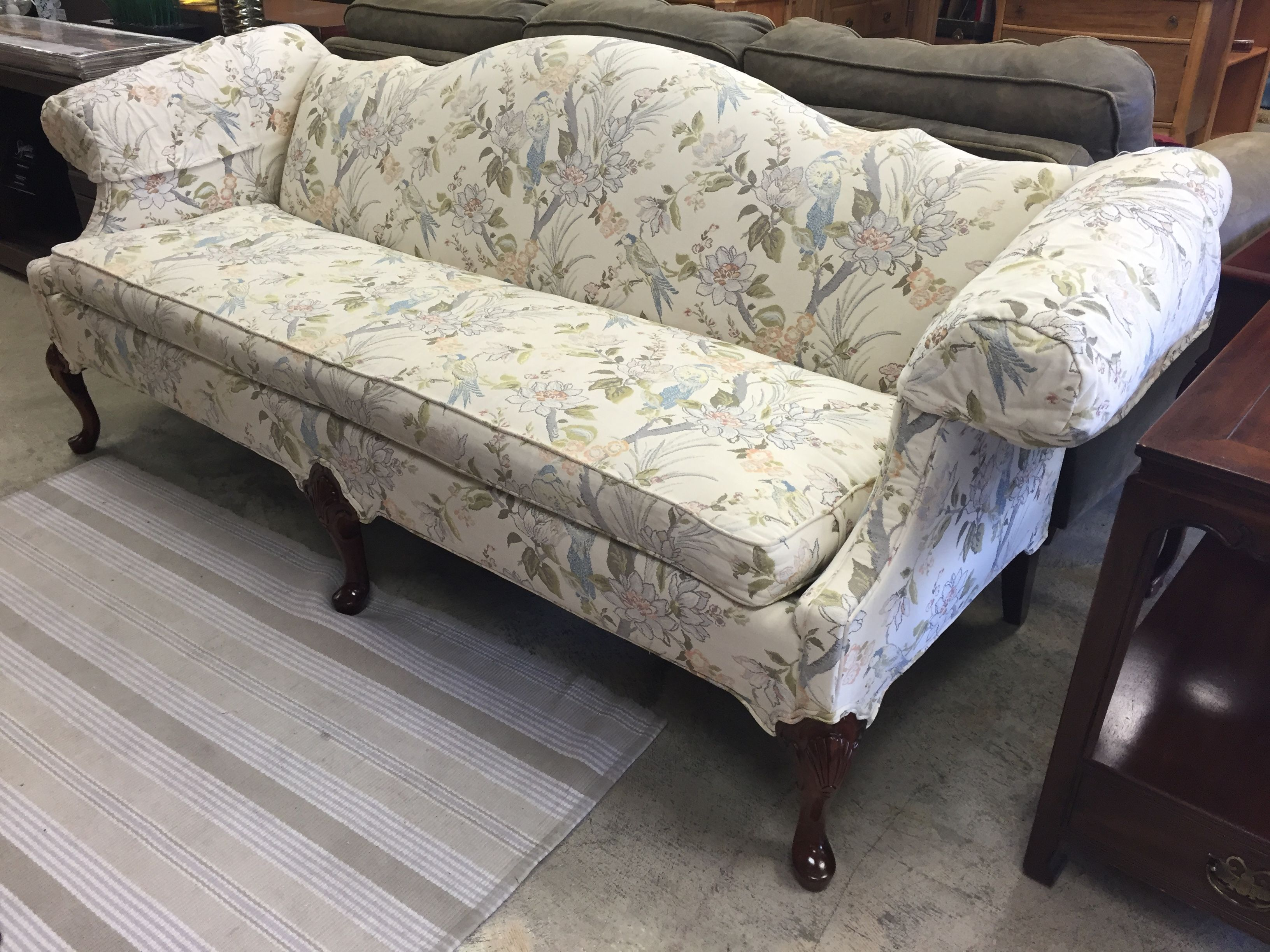 Stunning Pennsylvania House Sofa 1200 Online At Mkconsignment Livingroom Decor Design Color Home Apartment Couch Fancy