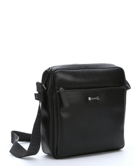 6e36f4815f3 SALVATORE FERRAGAMO Black Calfskin Messenger Bag.  salvatoreferragamo  bags   shoulder bags  leather