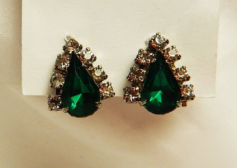 Emerald Crystal Rhinestone And Silver Earrings Green Back Costume Vintage Bling Accessory