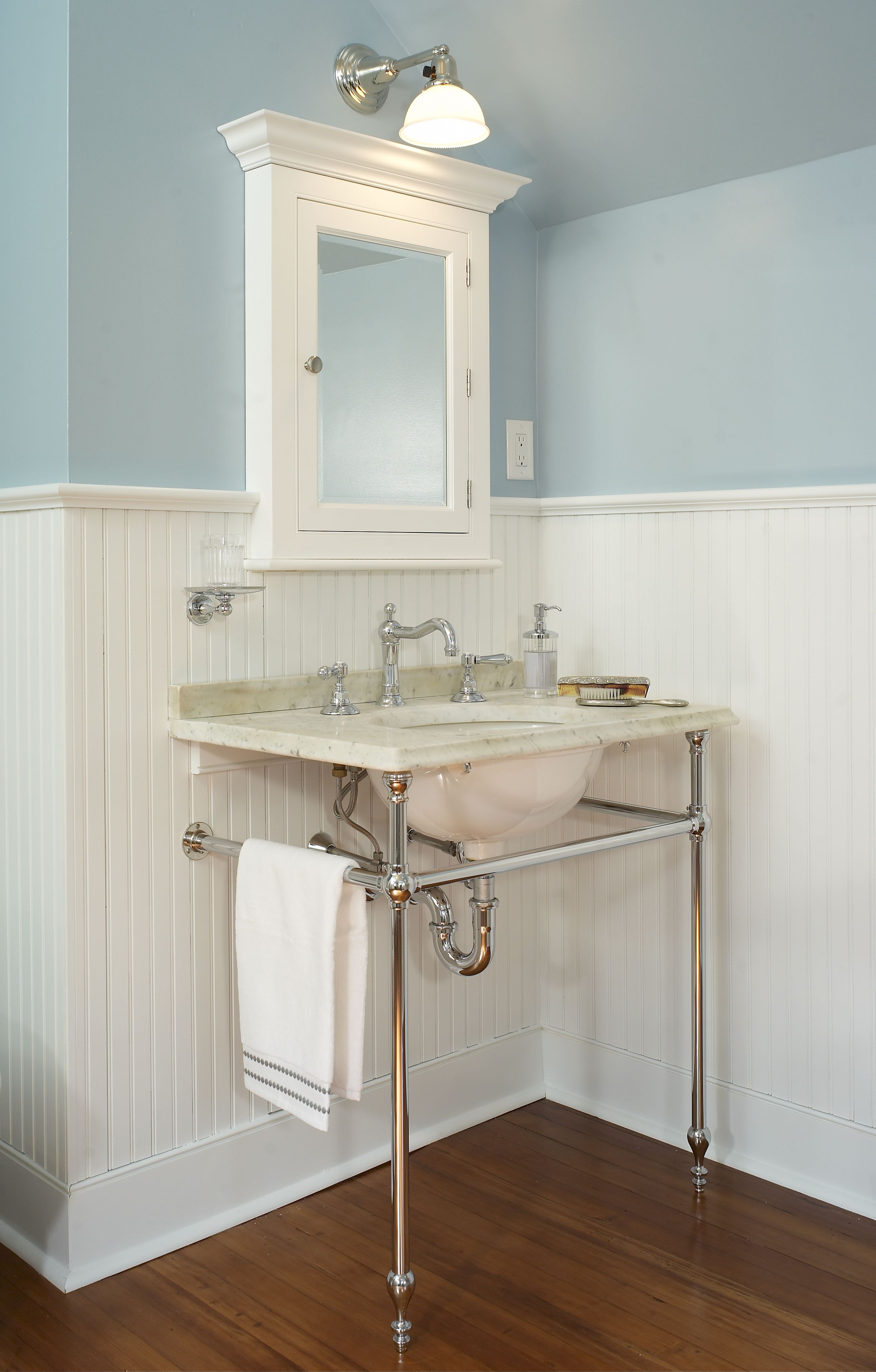 Original Vintage Bathrooms Designs & Remodeling ideas in ...