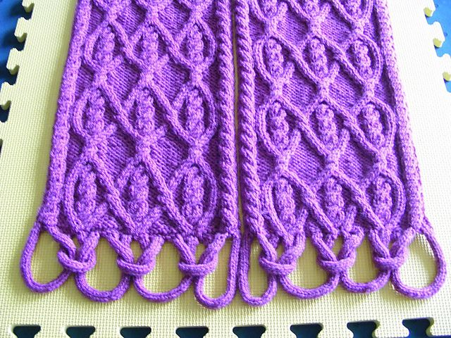 Ravelry: Puzzle Scarf III/18 - full pattern pattern by Devorgilla's Knitting (sometimes...)