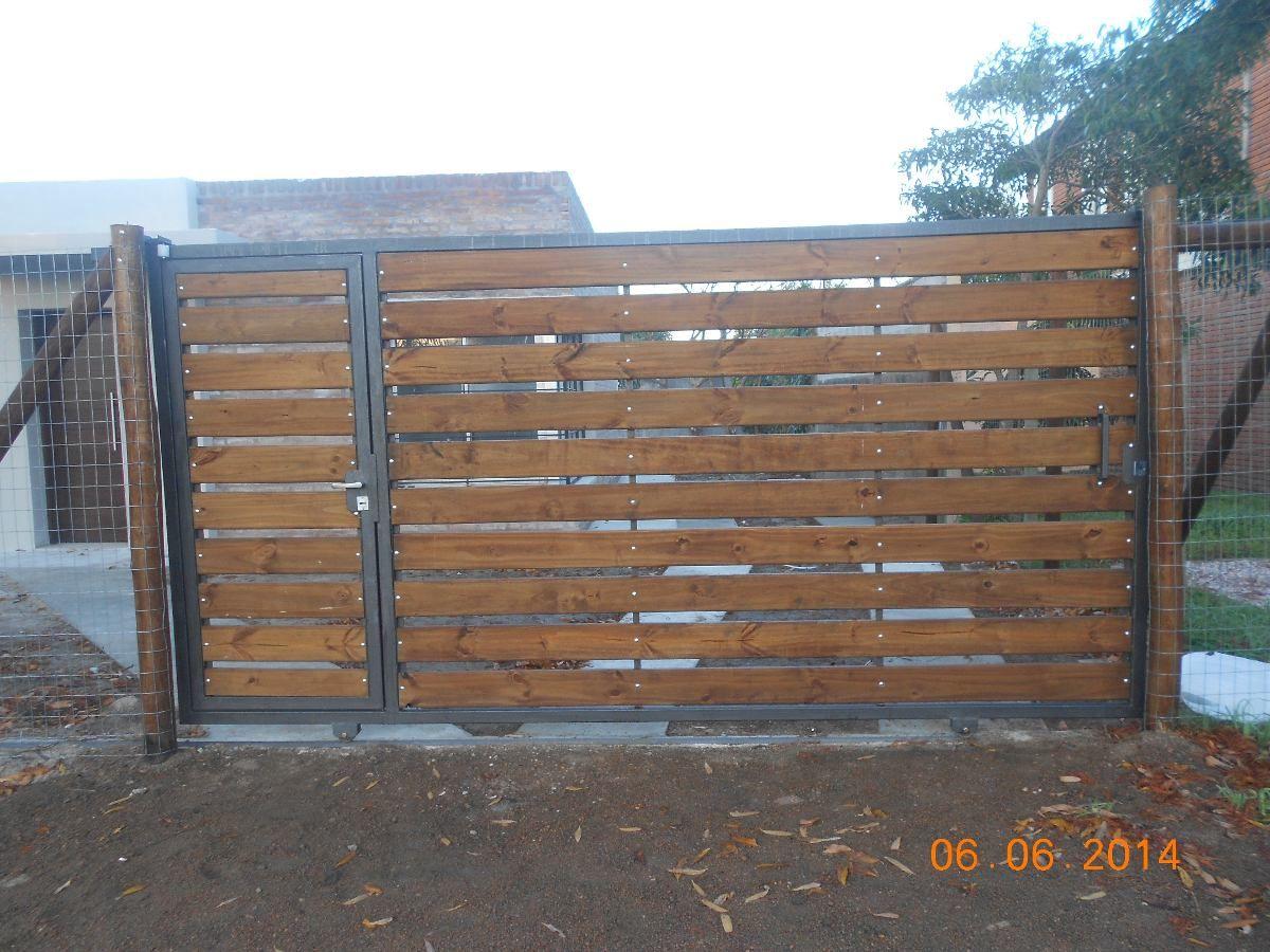 Portones de madera para quintas buscar con google for Puertas y portones de madera