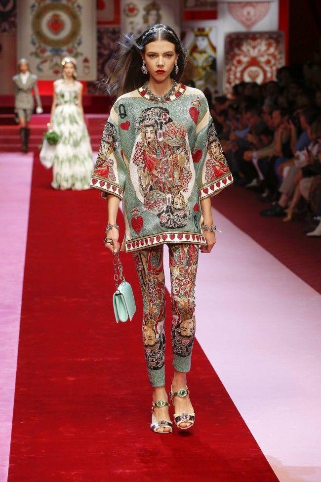 Milano Moda Donna Calendario.Nella Milano Moda Donna Ormai Fuori Da Anni Dal Calendario