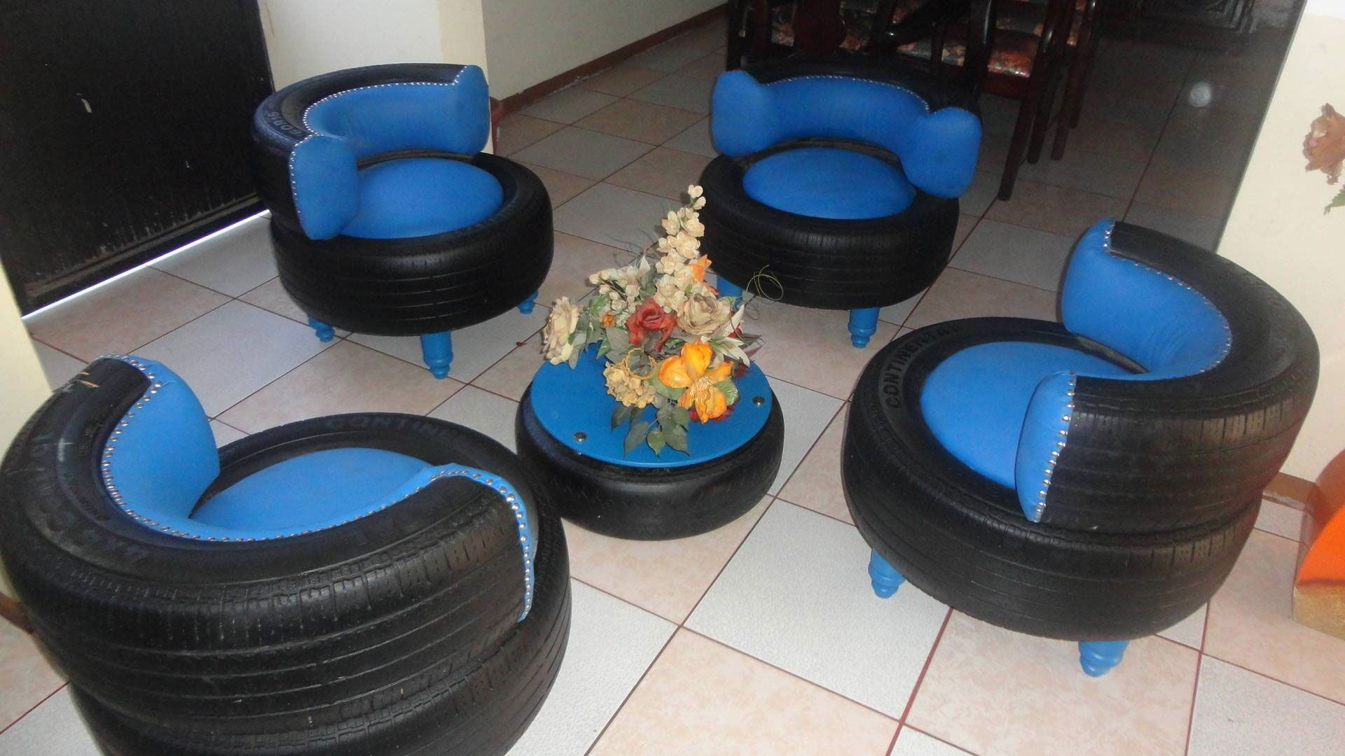 Mesa Jardin 120 X 70 Transforms Used Tires In Eco Friendly Furniture Creative Uses