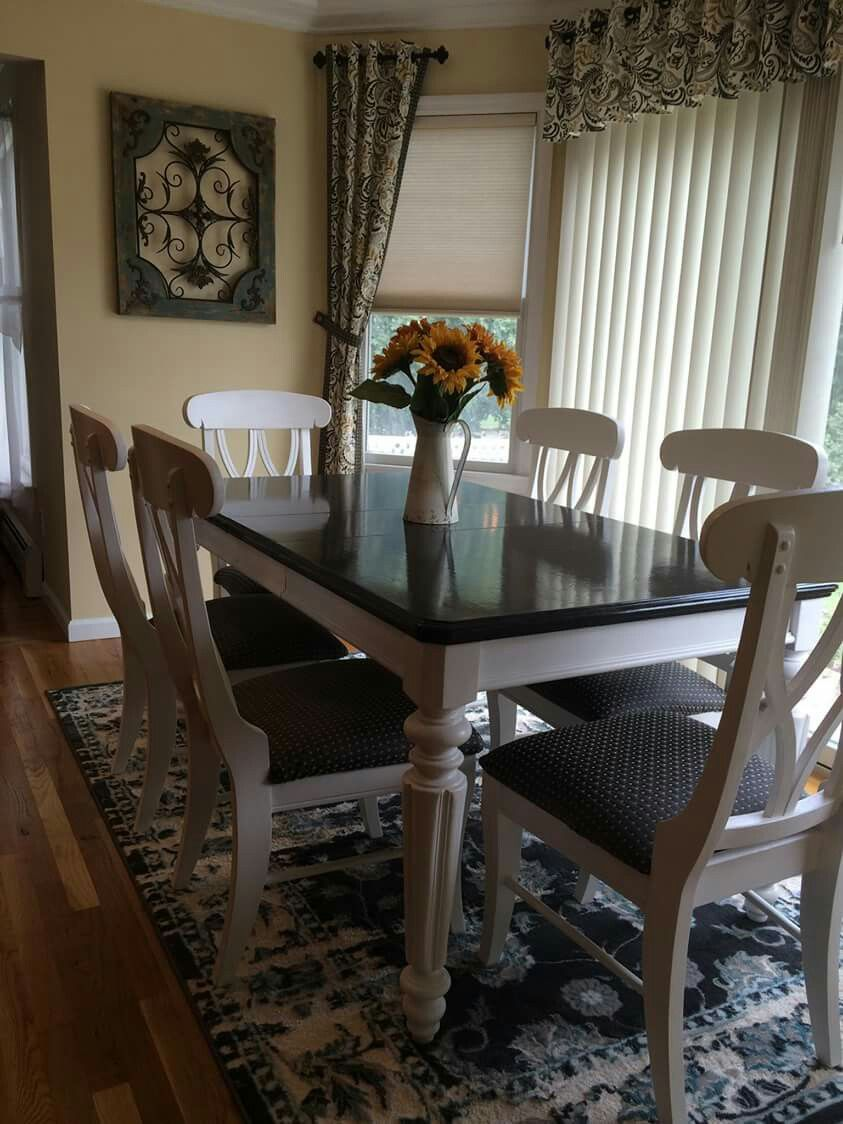 Farm Table Using Annie Sloan Chalk Paint Graphite On Top Pure White Legs And Chairs Painted