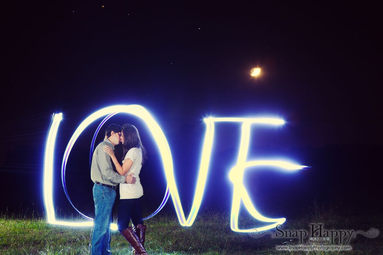 Light painting during night time engagement session   Engagement ... for Light Painting Photography Wedding  75sfw