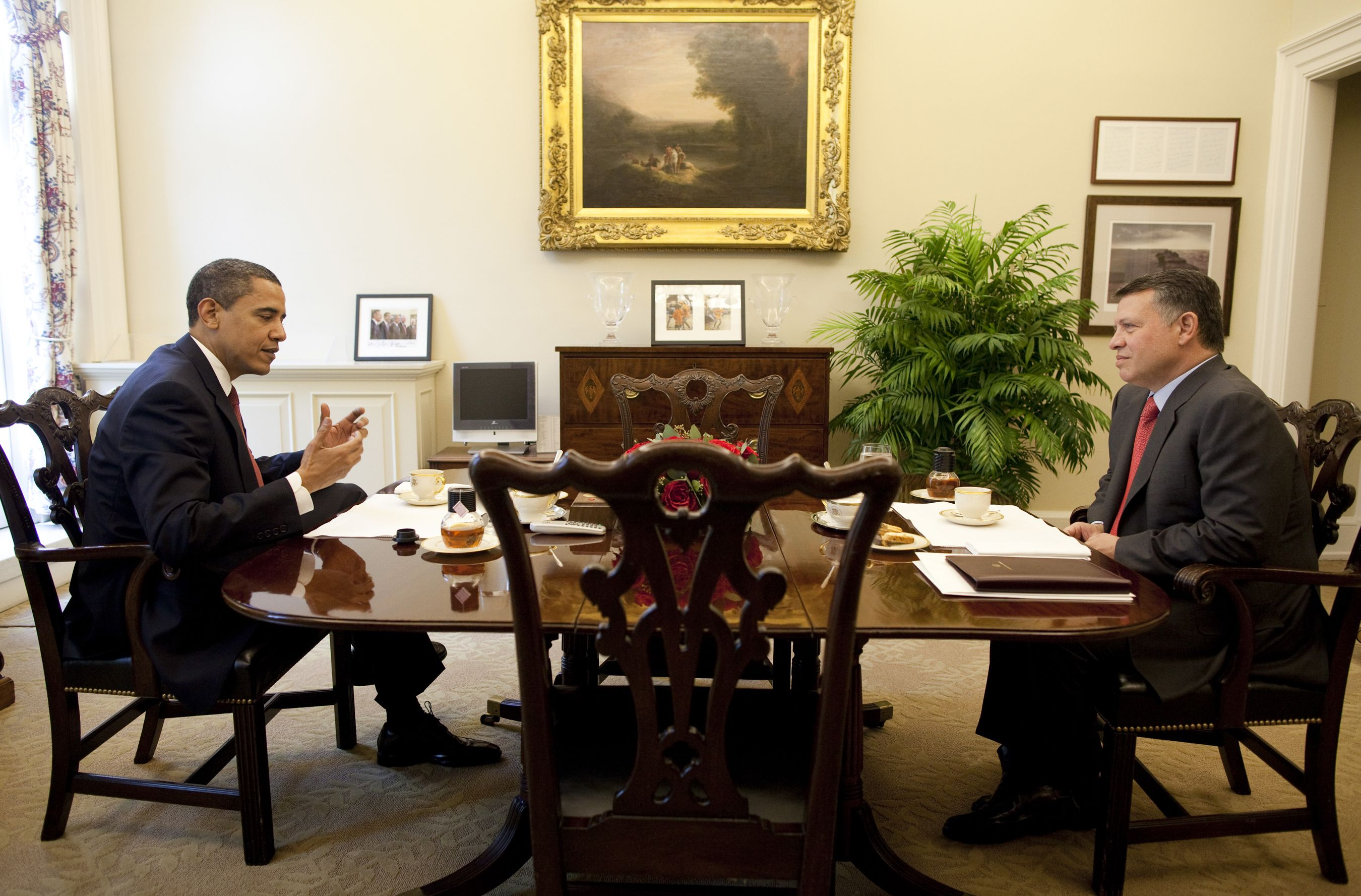 west wing oval office. President Barack Obama Is Seen Having Tea With King Abdullah Of Jordan In A One-. The West WingUs Wing Oval Office