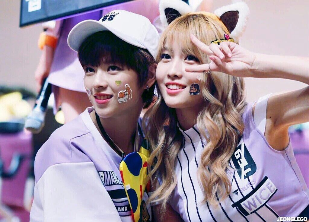 JeongMo - Jeongyeon&Momo (정연×모모)