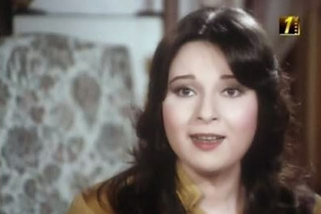أناقة مغربية بالصور بعد إختفاء لسنوات طويلة الفنانة نورا اخت بوسي تظهر من جديد لن تصدق كيف اصبحت Egyptian Actress Egypt Movie Movie Stars