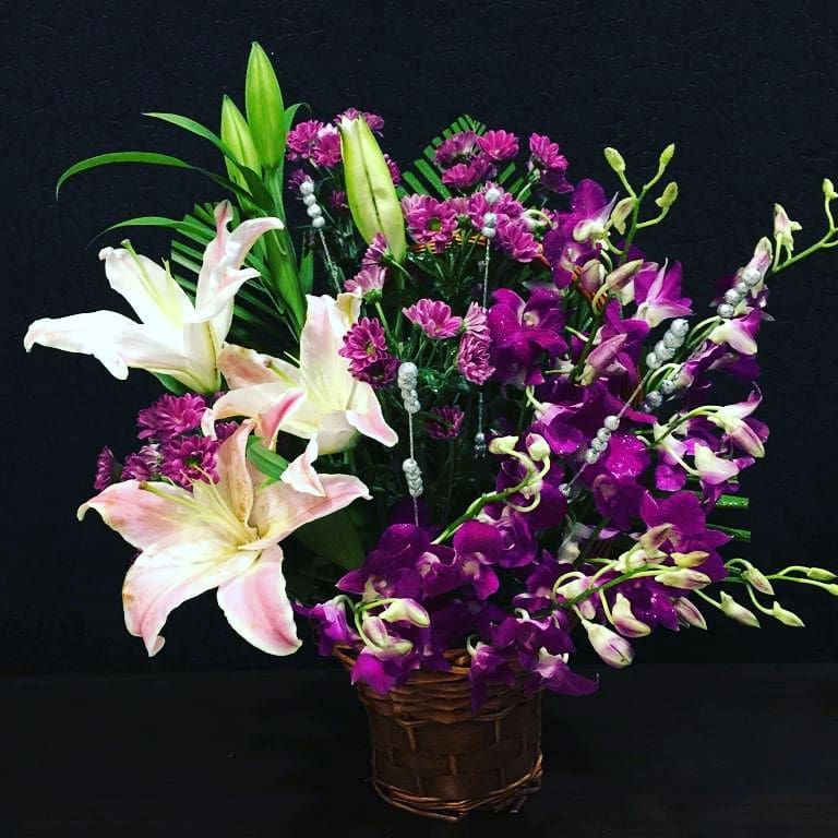 1 055 Gostos 12 Comentarios My Violet Sydney Florist Mivioleta No Instagram Kristin Fisher Eyebrows Corporate Flowers Flower Arrangements Orchids