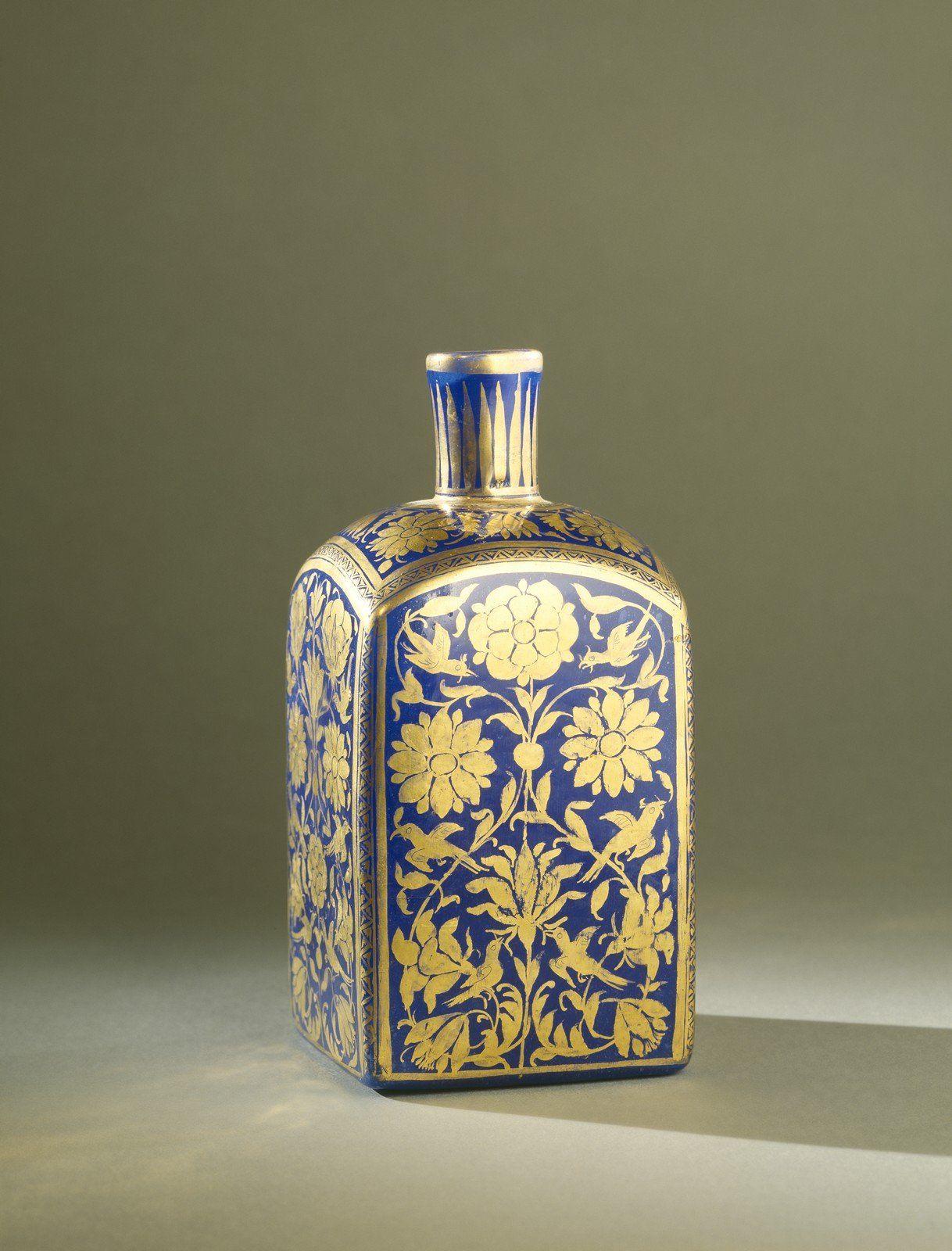 Bottle, 1700-1899.  | Corning Museum of Glass #gold #goldleaf