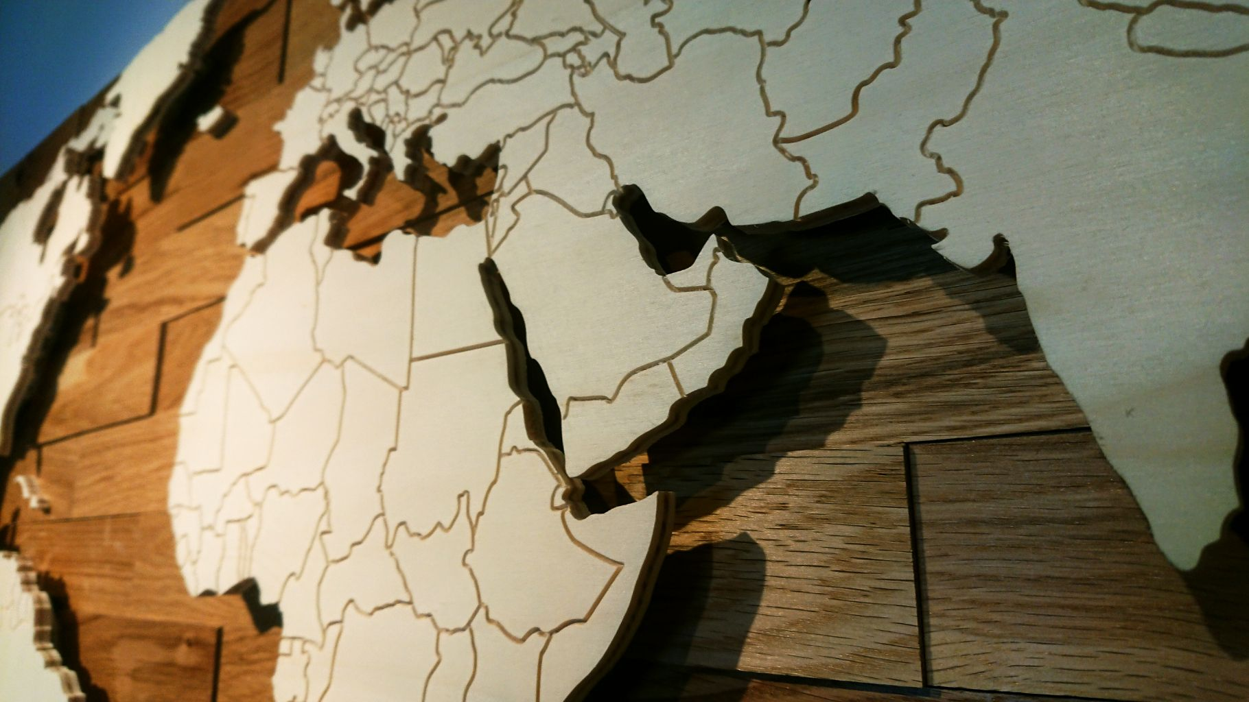 Weltkarte Aus Holz Mit Landergrenzen Led Beleuchtung Eiche Rustikal Weltkarte Aus Holz Weltkarte Led Beleuchtung