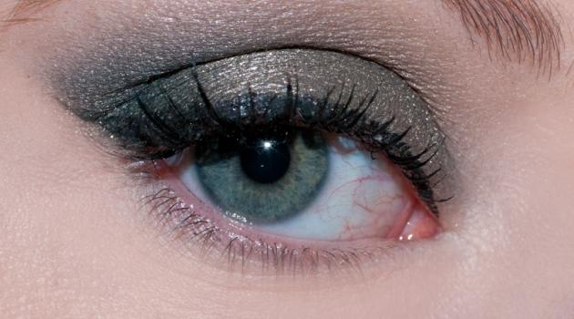 Tout sur le makeup kaki Maquillage kaki, Maquillage, Beauté