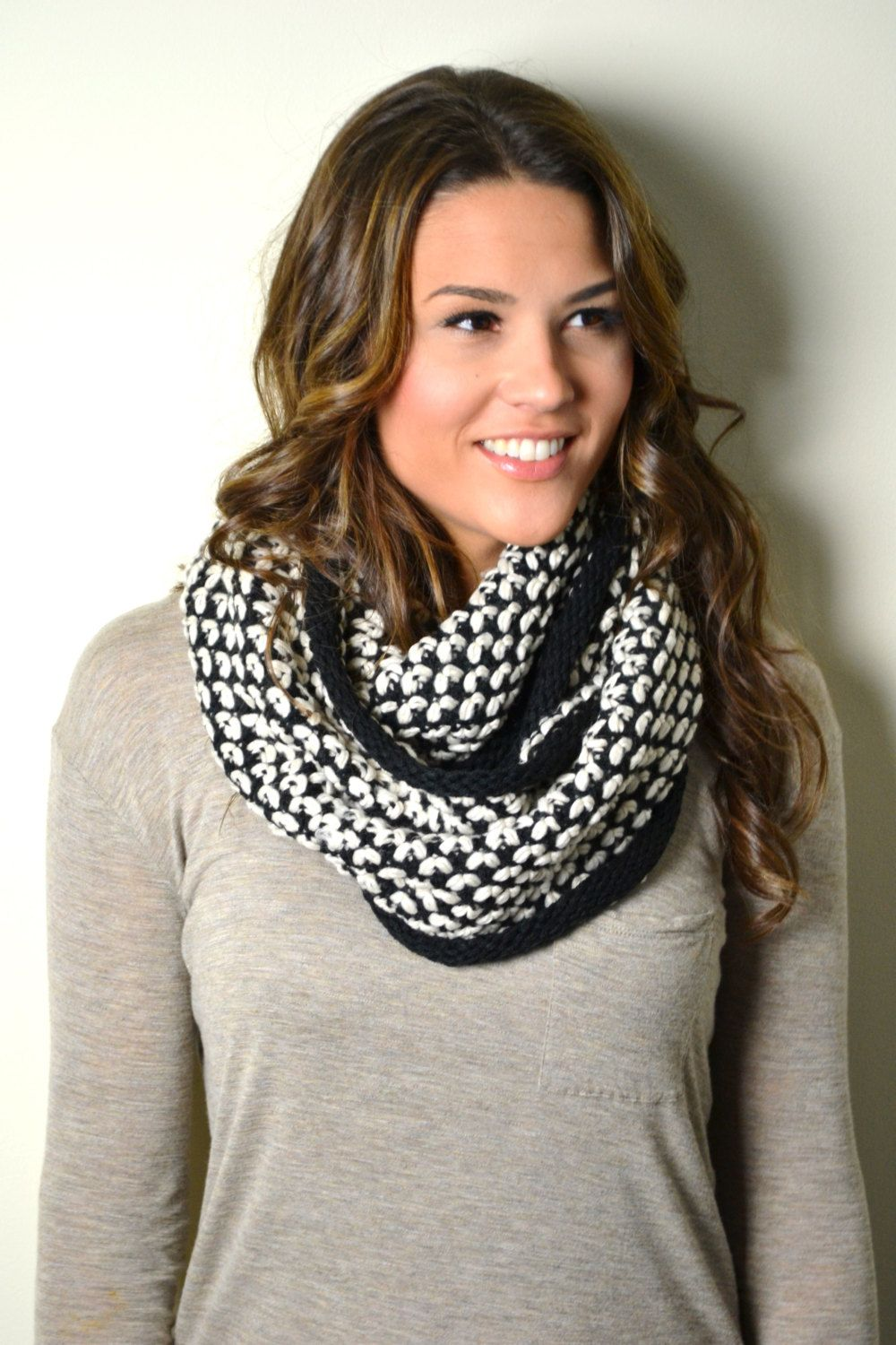 BLACK & WHITE Chunky Knitted Woven Pattern and Solid mix Infinity ...