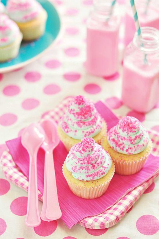 Whipped Vanilla Dream Cupcakes #cupcake #recipe