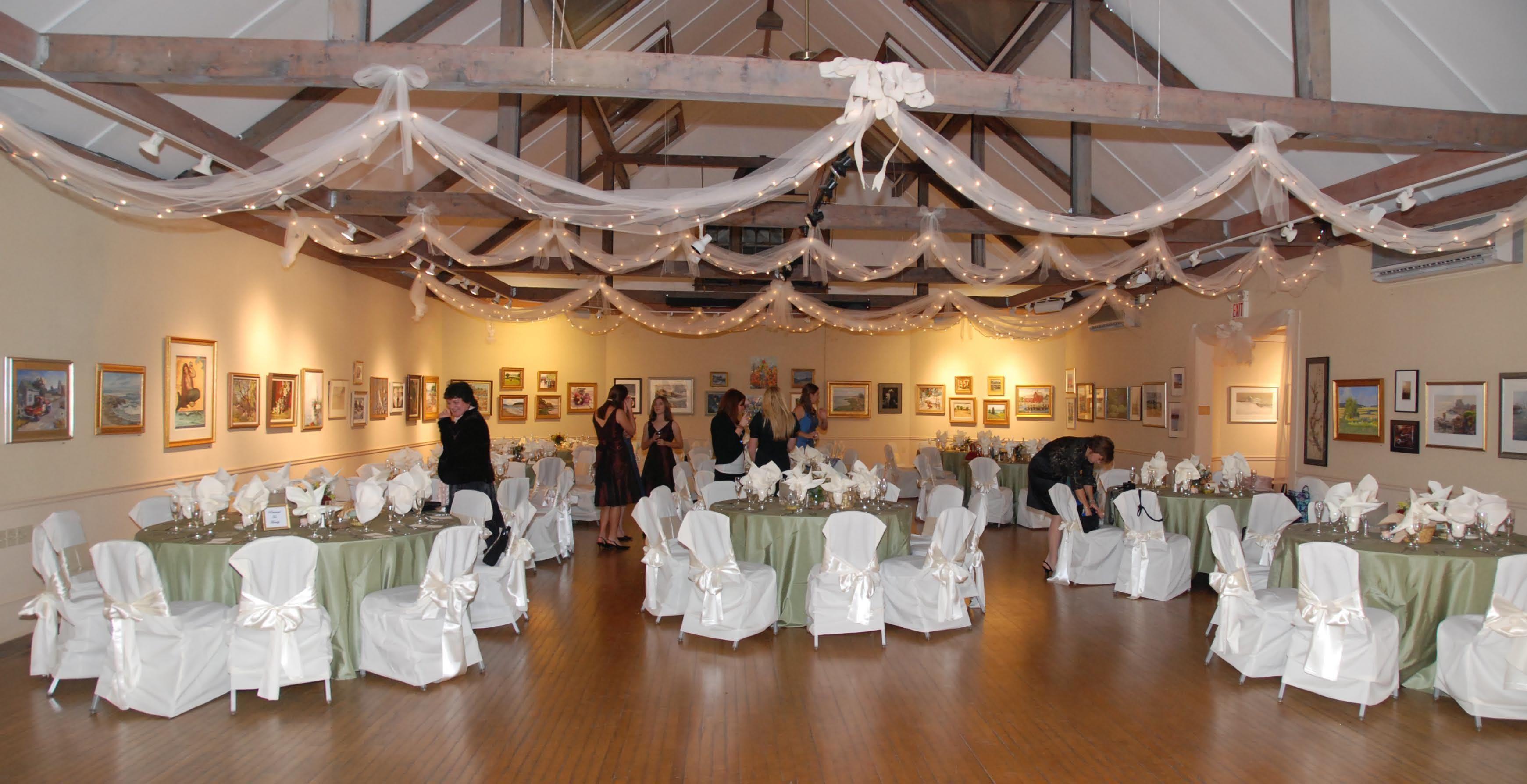 Photo via | Pinterest | Tulle lights, Reception and Wedding