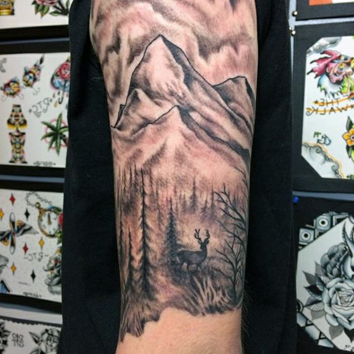 1001 dessins originaux de tatouage montagne tattoos pinterest tattoos mountain tattoo. Black Bedroom Furniture Sets. Home Design Ideas