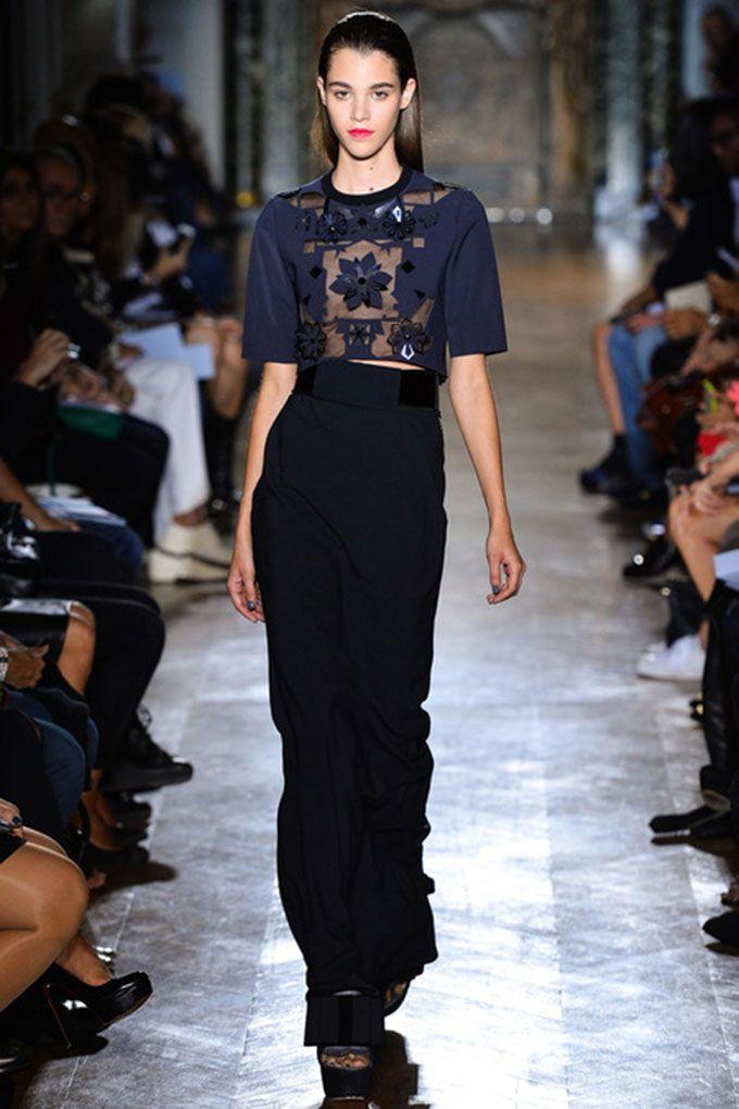 http://www.lilouandrue.com/rita-ora-in-john-galliano-dress-with-floral-appliques/ Rita Ora in John Galliano Dress with Floral Appliqués