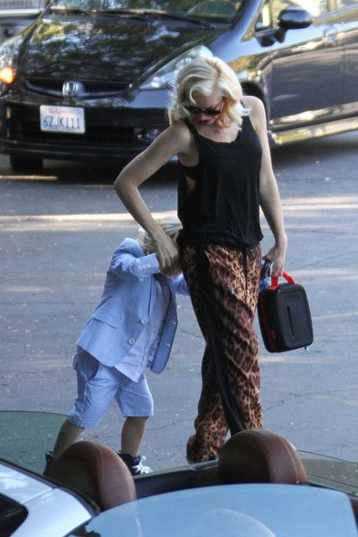 7a41b9d9750fc2 Gwen Stefani Photos Photos  Gwen Stefani Drops Off Zuma at School in ...