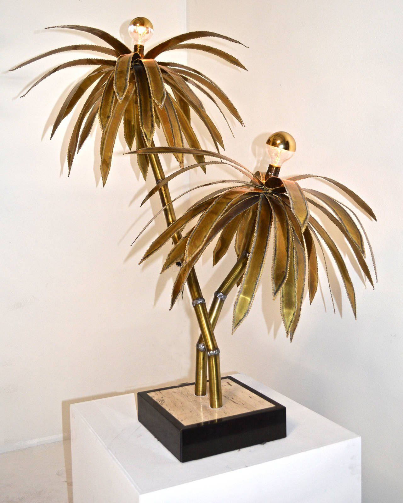 I Just Love The Unique Two Palm Tree Design To This Lamp. My Sister Is  Redoing Her Beach House And Is Really Trying To Go For A Tropical Lamp.