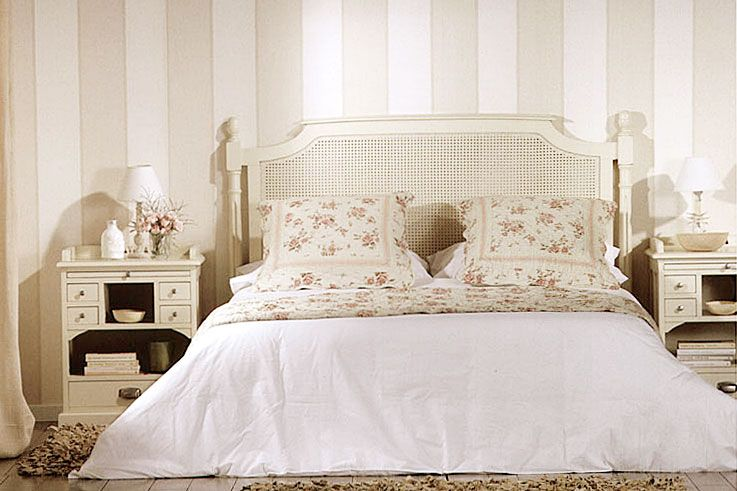 Dormitorio Colonial Mauricio White Material: Madera de Castano ...