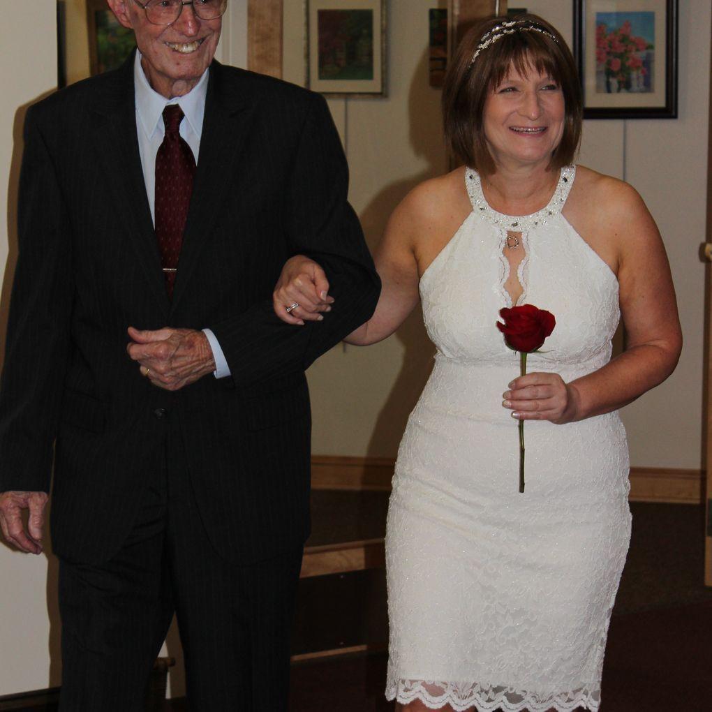 Short Halter Wedding Dress With Keyhole Cutout David S Bridal Halter Wedding Dress Short Halter Wedding Dress Halter Wedding [ 1020 x 1020 Pixel ]