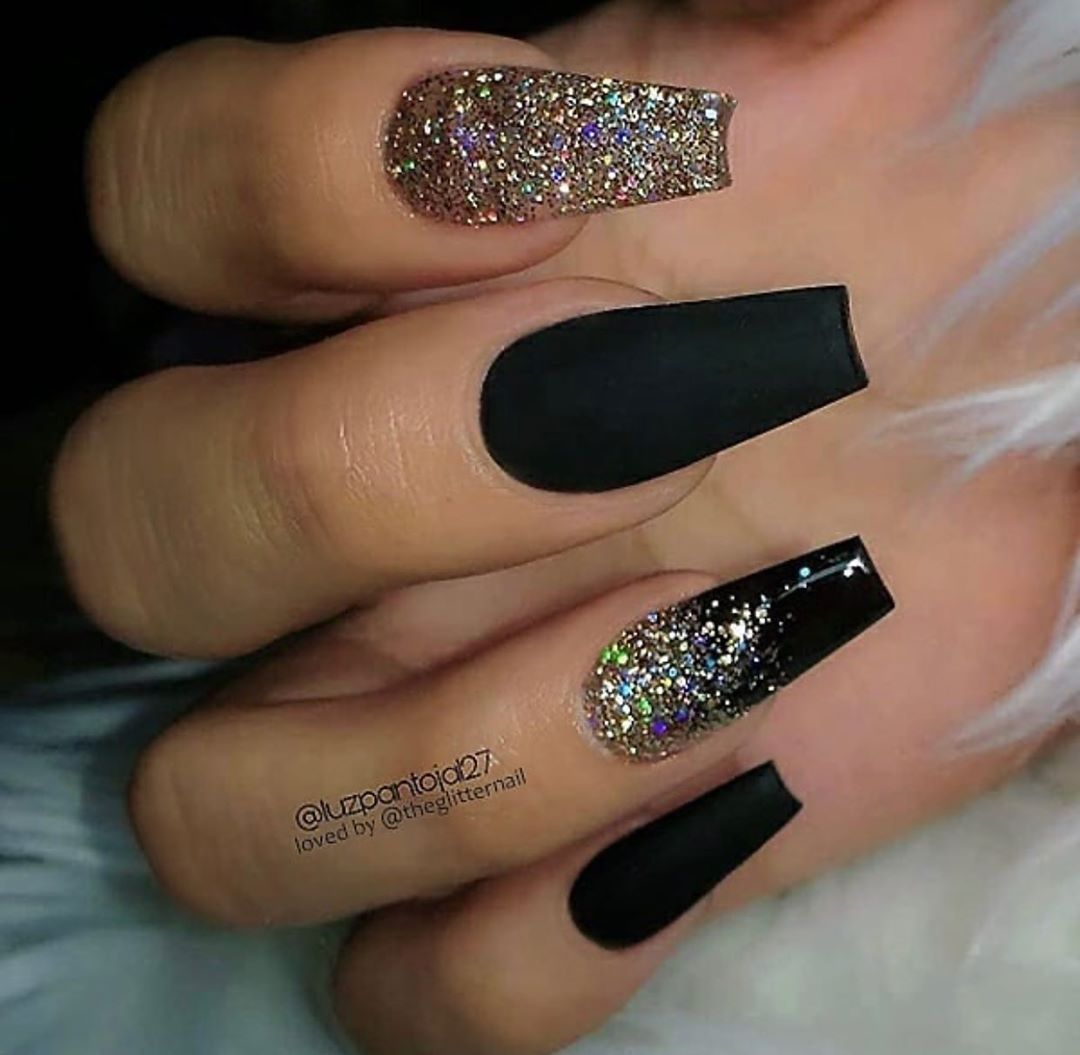 There Is No Need To Wonder How To Do Ombre Nails Anymore We Know Everything About The Best And The In 2020 Gold Sparkle Nails Ombre Nails Glitter Coffin Nails Designs