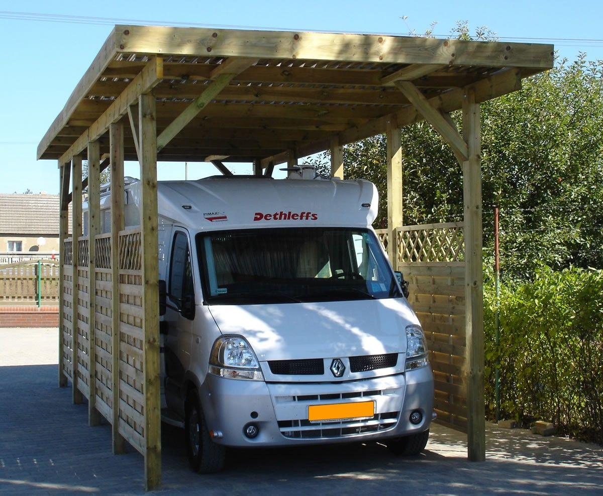 Extra hoge, vrijstaande carport met plat dak model Ecoline
