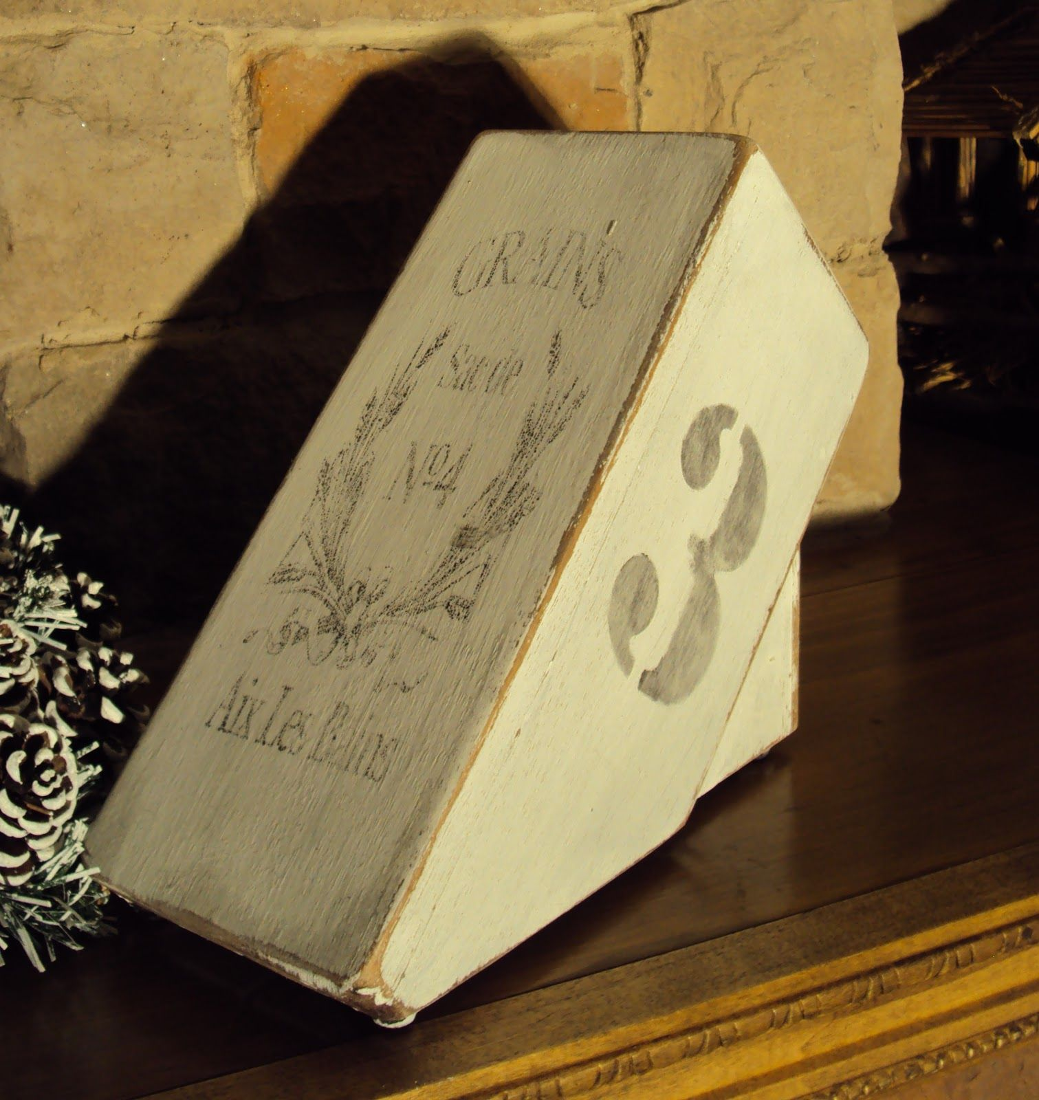 Painted Knife Block: Finding Secret Treasure: French Label Transfer