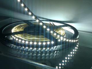 Mini Plafoniera Led 12v : Led strip flessibile mt v w d ip bianco freddo luci