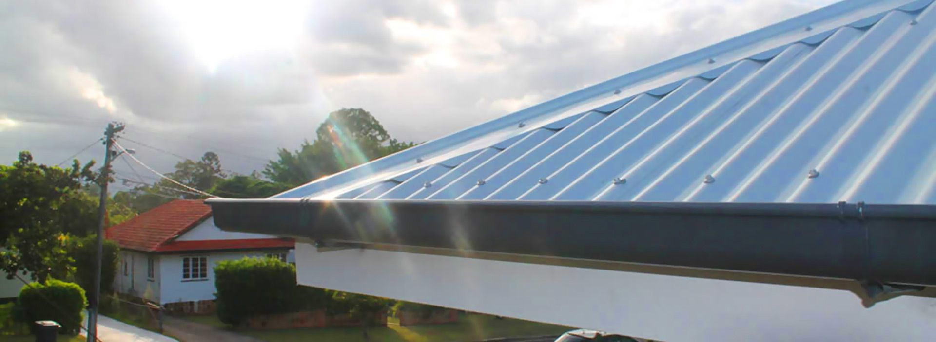 Asbestos Is A Naturally Occurring Mineral Having Dangerous Substance In Brisbane Zen Roofing Provides A Higher Quality Material Commercial Roofing Roofing Materials Metal Roof