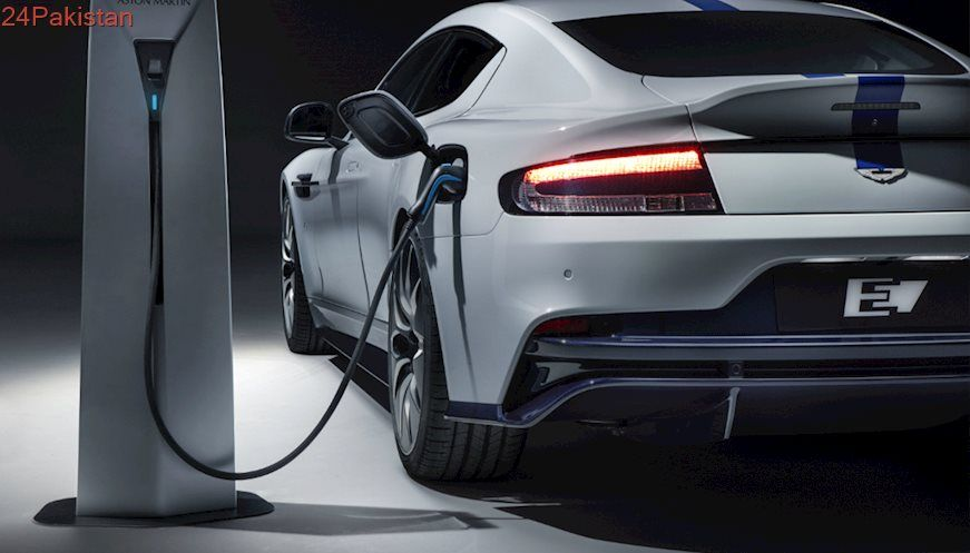 In A First Uk Plans To Install Electric Car Charging Ports In Every House