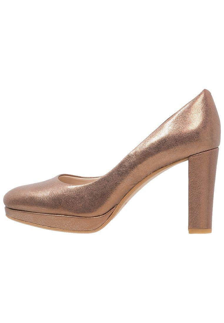Consigue este tipo de zapatos de salón de Clarks ahora! Haz