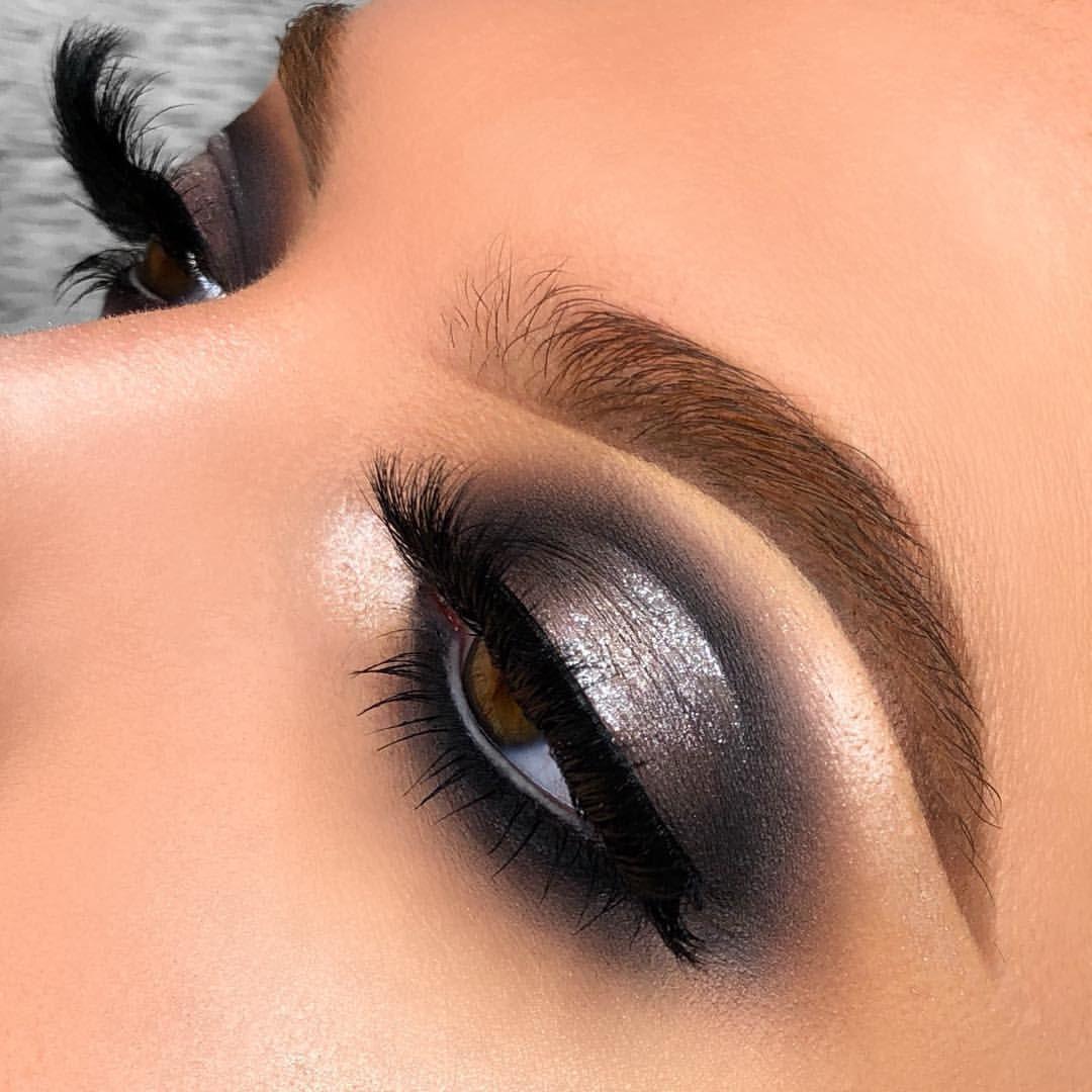 Grey Smokey Eye With Images Grey Eye Makeup Grey Makeup