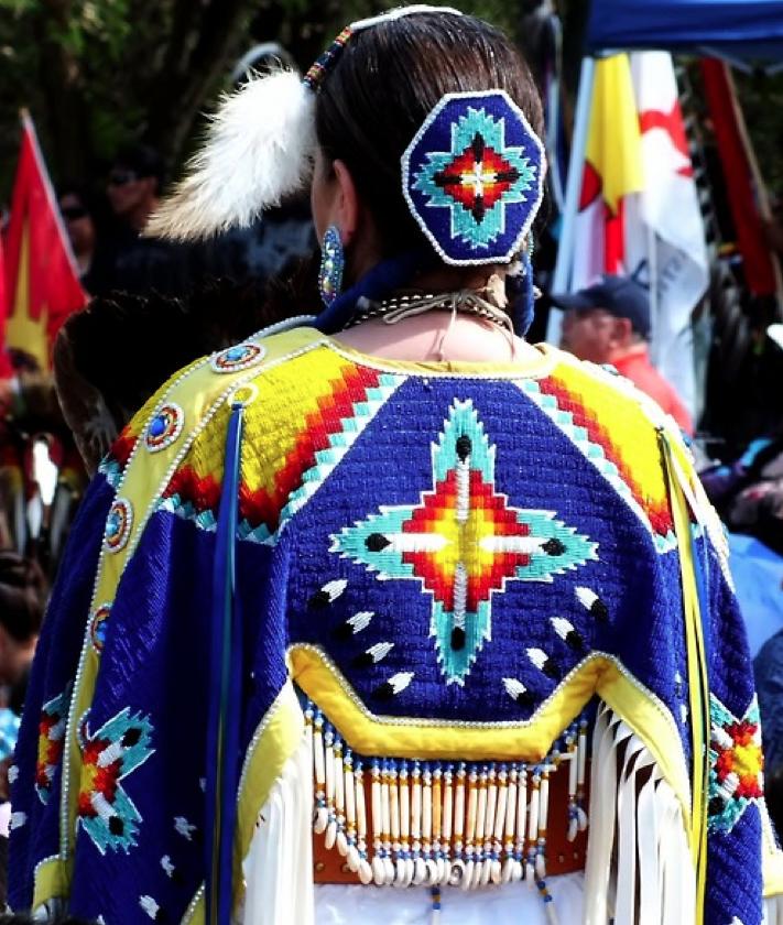 Best 25+ Powwow Beadwork Ideas On Pinterest