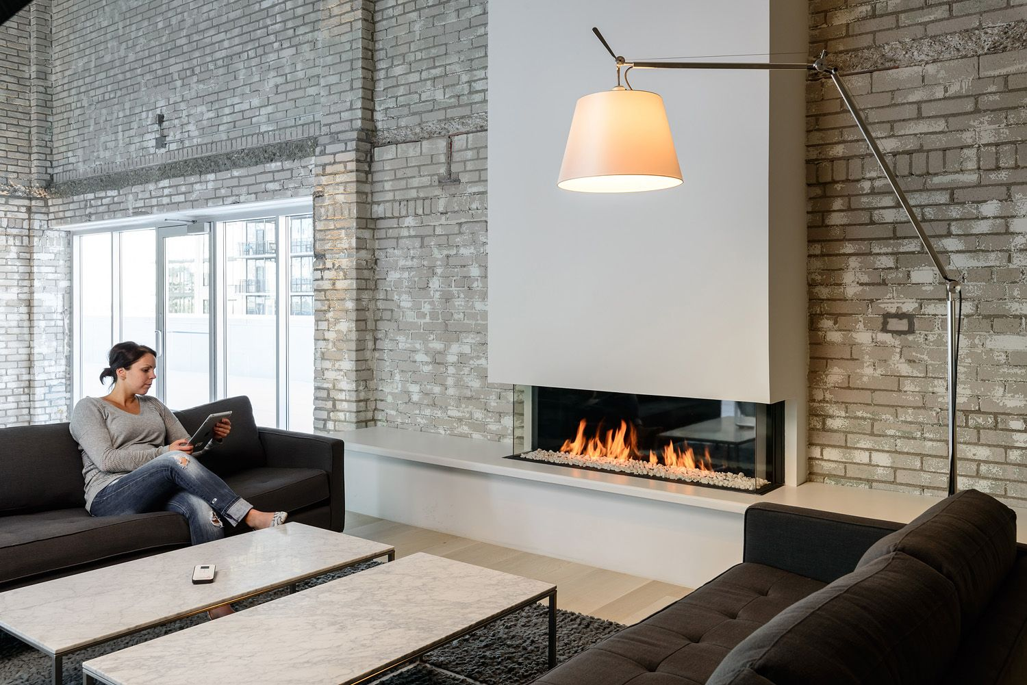 Simple Is The New Bold See Elegant Contemporary Gas Fireplaces Installed In Modern Homes