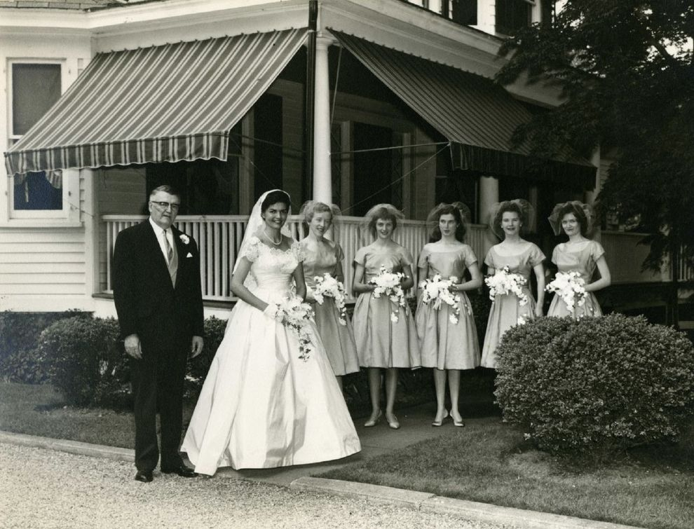 Real Retro Weddings: Adorable Bride And Her Maids.
