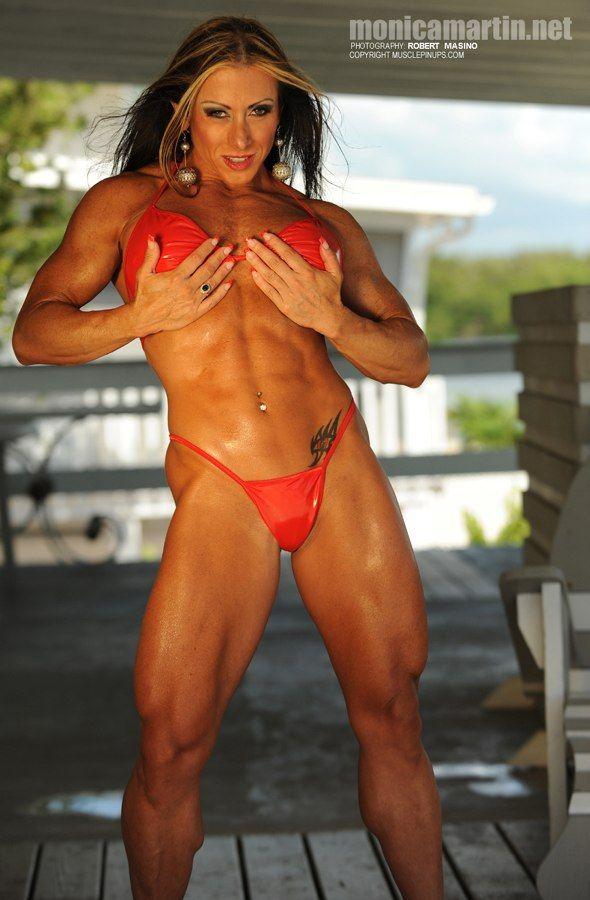 Female Bodybuilder Monica Martin Shows Off Her Abs ...