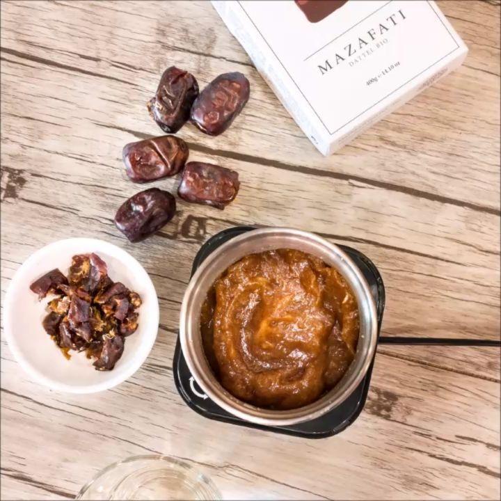 """17 Likes, 2 Comments - Fa. Rommelsbacher (@rommelsbacher) on Instagram: """"Dattelmus ist eine sehr leckere und gesunde Alternative zum Süßen von Speisen. Ob für Müsli oder im…"""""""