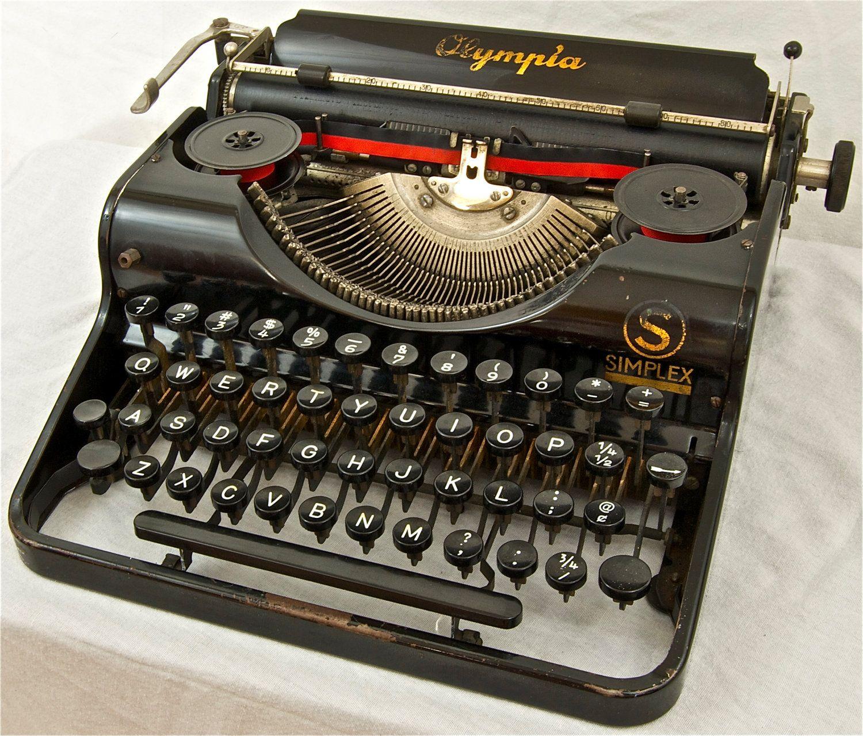 Working Vintage Typewriter Olympia Simplex